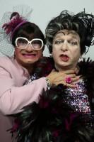 Martine et Yvette... Mieux vaut les avoie en cire et en son qu'en nature !